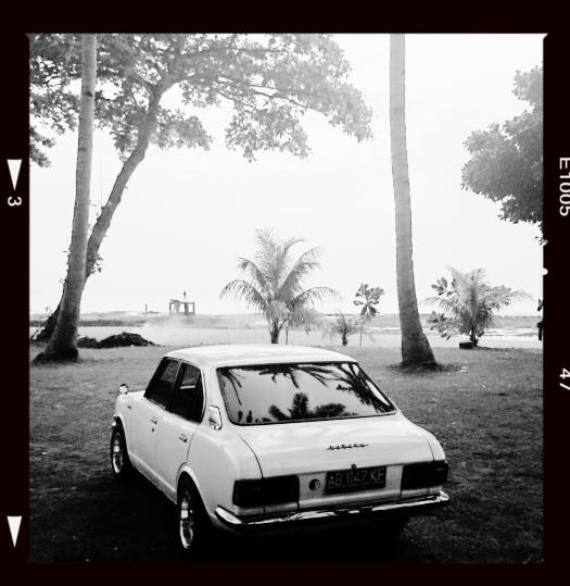 Namanya juga mobil tua ya, di dalamnya ada kecoak yang akhirnya kita kasih nama Michael :))