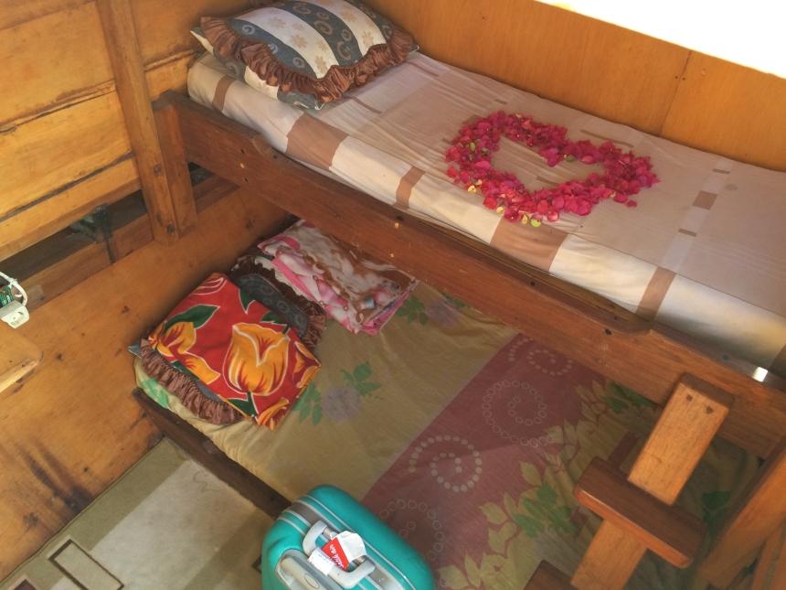 Kamar di kapal pas di Komodo