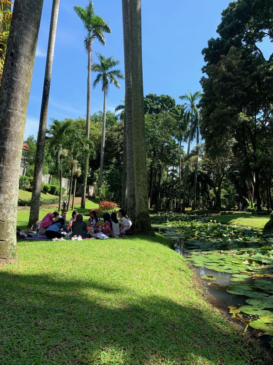 Di balik #BisikRahne : Belajar bersuara. Mendengar sesama. Tumbuh bersama.
